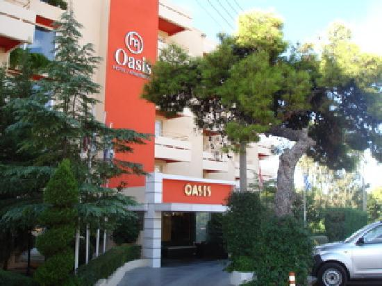 Oasis Hotel Apartments: Hotel Outside