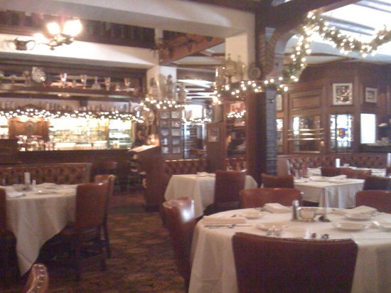 Karl Ratzsch Restaurant: Very German surroundings!