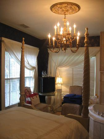 Angel Inn Bed & Breakfast: The Michael Room
