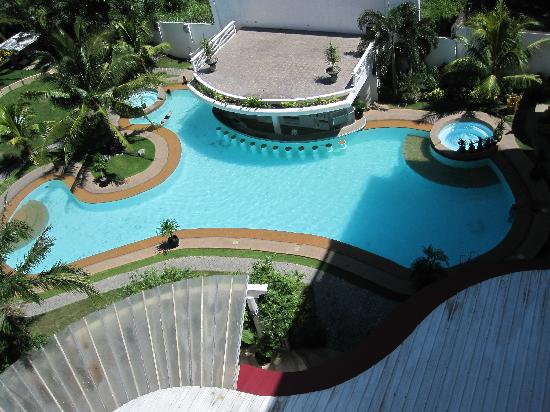 Lewis Grand Hotel: View of the pool from my 5th floor balcony