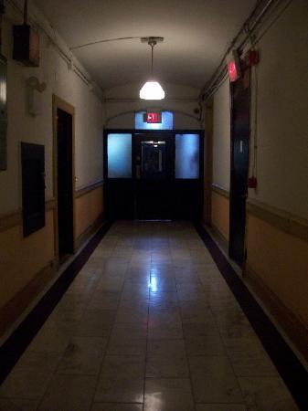 Chelsea Hotel: Hallway