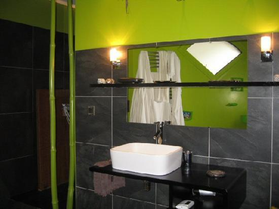 Yamina Lodge : Sa salle de bains