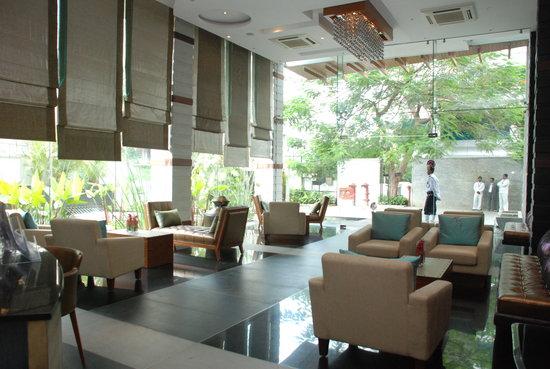 Melange Astris: lobby by day