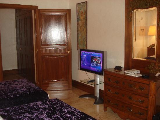 Hotel de la Cigogne: Room
