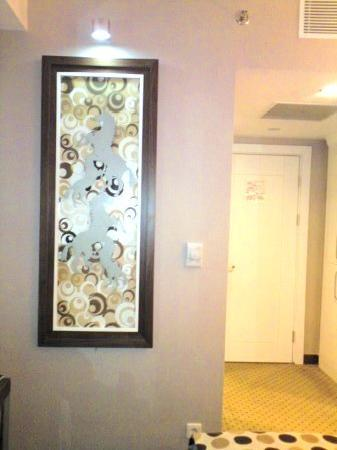 Alba Ankara Hotel: Art work in room