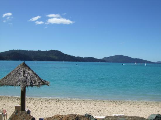 Reef View Hotel: Cat's Eye beach