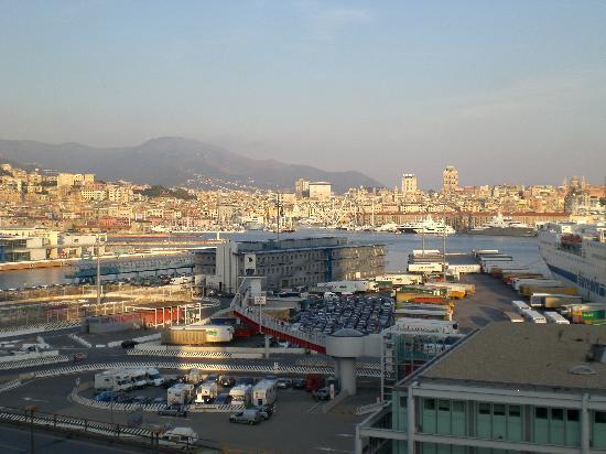 Holiday Inn Genoa City : vista dalla camera