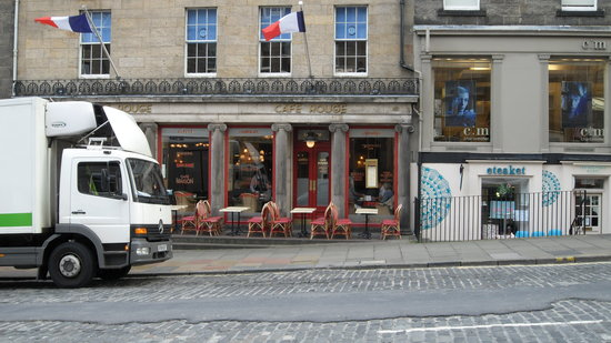Cafe Rouge - Edinburgh: Cafe Rouge as seen from across Frederick Street.