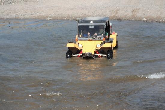 Desert Wolf Tours: Us driving through river