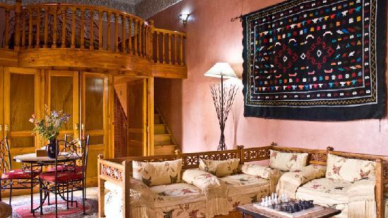 Suite Djalila Avec Salon Marocain Salle De Bain Avec Baignoire