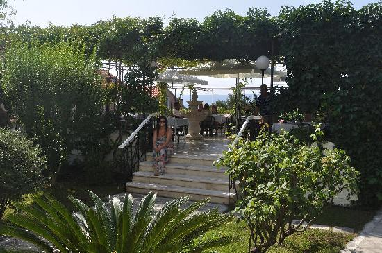Villa Giardino: The Breakfast garden