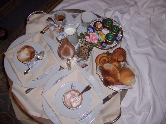 Colazione a letto foto di grand hotel mazzaro sea palace - Colazione a letto immagini ...
