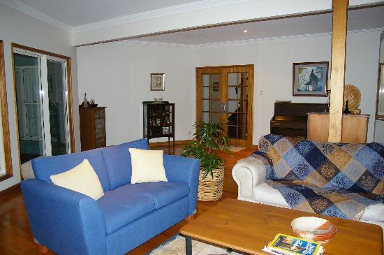 Braeside Bed & Breakfast : Spacious lounge