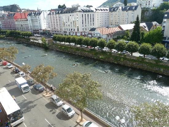Hotel Saint-Georges: view of the river from the hotel