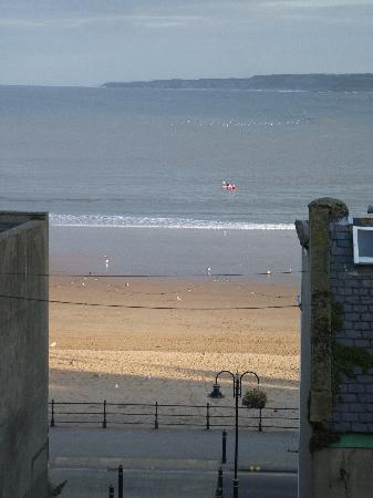 Palace Hill Hotel Scarborough: view of the sea from across the road from the hotel