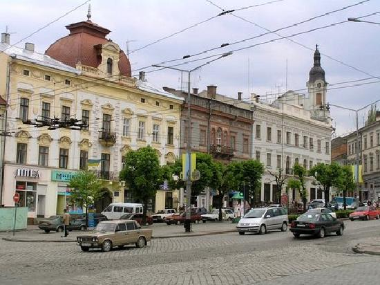 Main thoroughfare in Chernivtsi