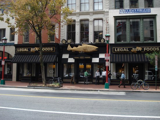 Legal Sea Foods : From across the street