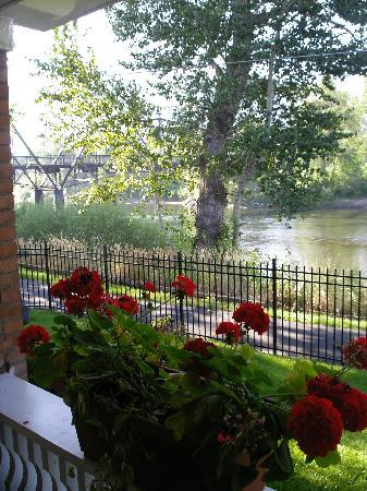 Goldsmith's Bed and Breakfast: View towards the river