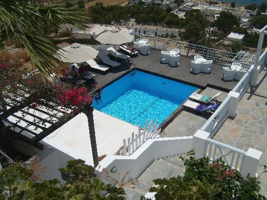 Far-Out Village Hotel: piscina far out hotel
