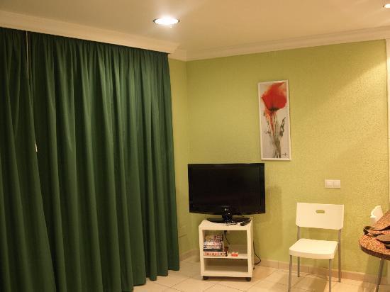 Arco Iris Apartments: Living Area 2