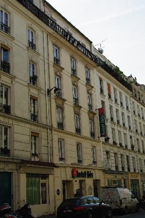 Ibis Paris Pere Lachaise: Facciata dell'hotel