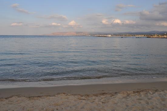 Kalivaki Studios Hotel : Vue depuis la plage