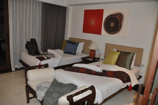Yantarasiri Resort: twin bedroom (I booked double)