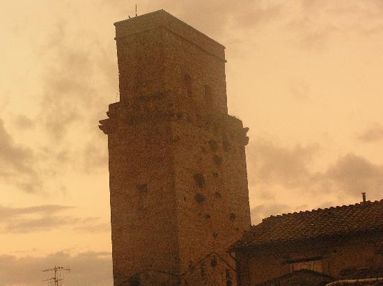 Fabio Apartments San Gimignano: torre