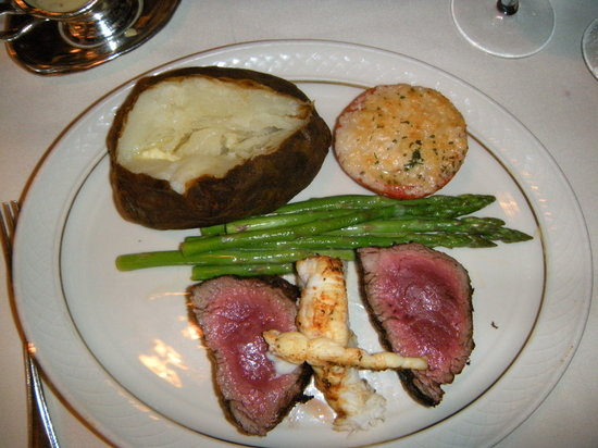 El Gaucho Seattle: Chateau Briand - tasty but well undercooked!