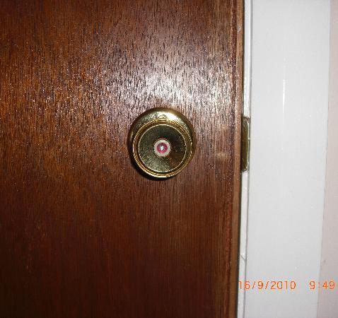 Santon Country Retreat : No inside door lock for privacy