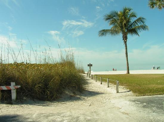 Anna Maria Island, FL: auf dem weg zum strand