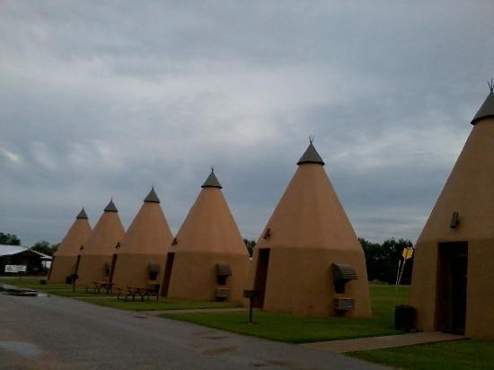 Wharton, تكساس: teepee row