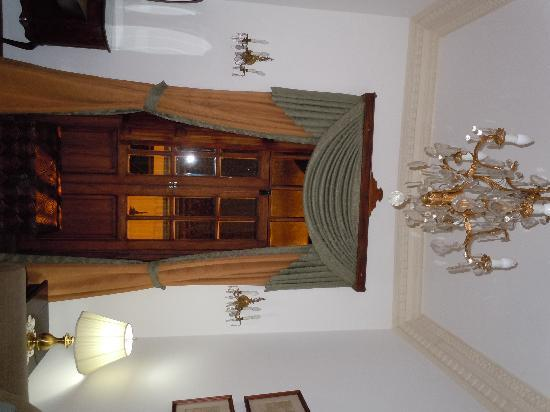 Hotel Casa San Marcos: and a chandelier in my sitting room....