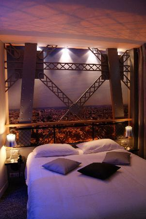 The eiffel tower room again picture of hotel design for Paris secret hotel
