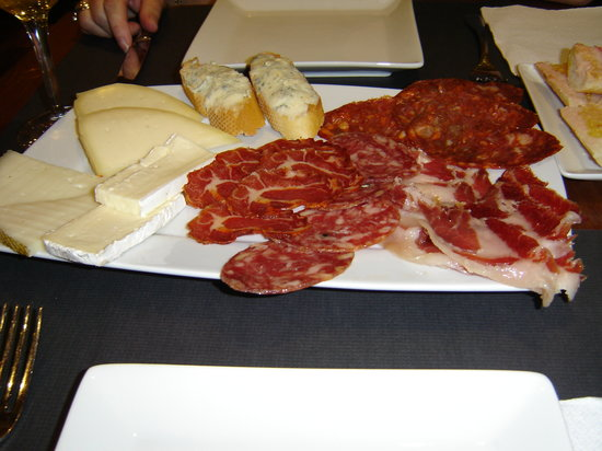 A Taberna do Bispo : Selection of meats and cheeses