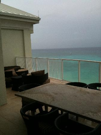Caribbean Club: terrace & view of 7 mile beach