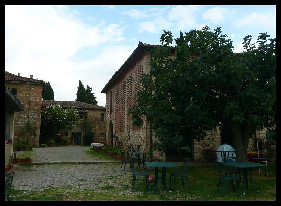 Agriturismo Santa Croce: giardino
