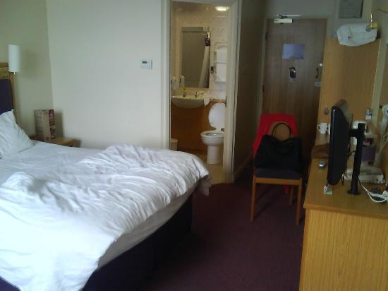 zimmeransicht picture of premier inn manchester trafford. Black Bedroom Furniture Sets. Home Design Ideas
