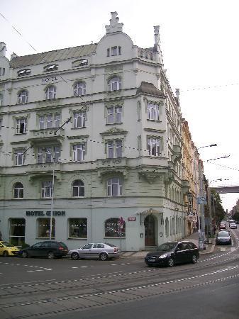 Hotel Union Prague: hotel facade