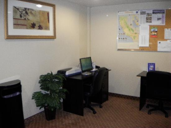BEST WESTERN Joshua Tree Hotel & Suites : Business Center