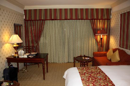Hualien FarGlory Hotel: Facing the balchony.