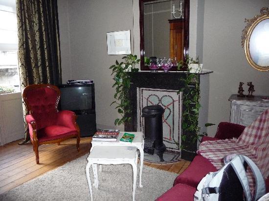 B&B In Bruges: Salon dans notre chambre