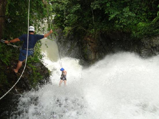 Montana Adventures Canyoning: Down the waterfall