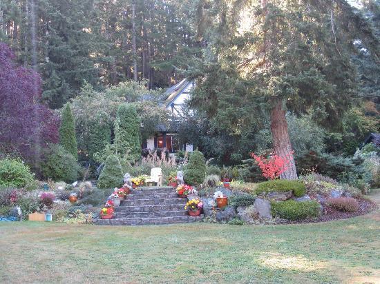 Markham House: House & Garden View
