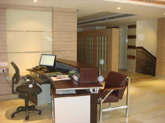 HomCourt Serviced Apartments: Reception