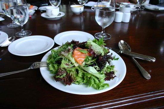 Bar & Billiard Room: salad