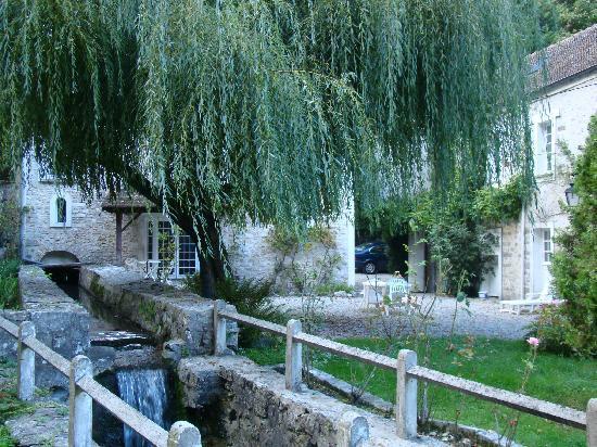 Le Moulin du Ponceau: l'arrière du bâtiment
