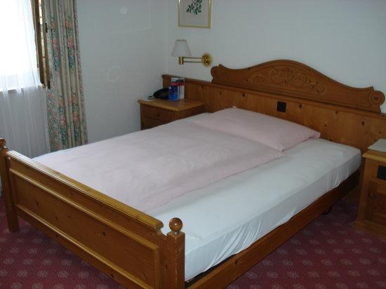 คลอสเตอร์ส, สวิตเซอร์แลนด์: Grosses Bett im Einzelzimmer