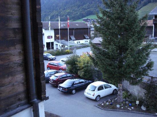 Sunstar Boutique Hotel Albeina Klosters: Hoteleigene Parkplätze