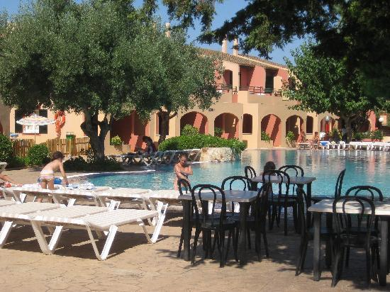 Aparthotel Club Andria: BUENA PISCINA